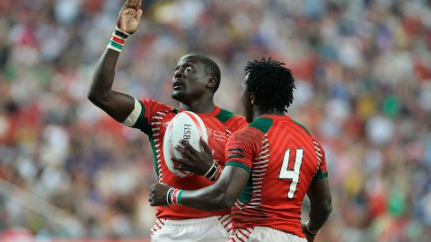 """Collins Injera (left) became <a href=""""http://cnn.com/2016/05/21/sport/collins-injera-kenya-sevens-rugby/"""" target=""""_blank"""">sevens' all-time leading try scorer</a> last season, while Kenya won its first series tournament, <a href=""""http://cnn.com/2016/04/17/sport/singapore-sevens-2016-finals/"""" target=""""_blank"""">beating Fiji in the Singapore final.</a> Former captain Innocent Simiyu took over as coach after a disappointing 11th placing out of 12 teams at the Olympics."""