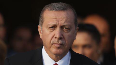 Turkish President Recep Tayyip Erdogan has called on world powers to stop supporting groups that Ankara considers terrorist organizations.
