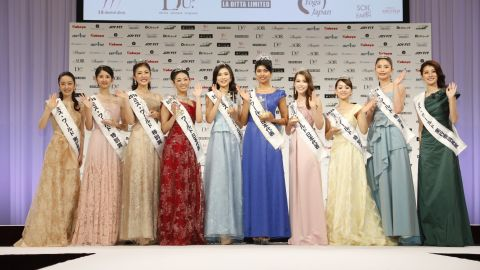 Priyanka Yoshikawa (fifth from right) poses with other Miss World Japan contestants.
