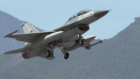 HUALIEN, TAIWAN:  An F-16 jet fighter of Taiwan's air force takes off from the eastern Hualien airbase, 17 August, 2004. Taiwan's air force confirmed it had carried out its first test firing of US-made Harpoon anti-ship missiles in a display of the island's ability to ward off a Chinese invasion.  AFP PHOTO/ PATRICK LIN  (Photo credit should read PATRICK LIN/AFP/Getty Images)