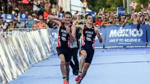 Alistair Brownlee (L) may be the only triathlete to win two Olympic titles, but his younger brother Jonny (R) isn't half bad either, having taken silver at Rio 2016 and the last Commonwealth Games in Glasgow.