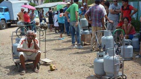 Residents of Cuba's Holguin Province line up to buy gas on October 2.