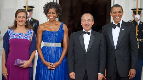 Mexican first lady Margarita Zavala, US first lady Michelle Obama, Mexican President Felipe Calderone, and US President Barack Obama on May 19, 2010, at the state dinner for Mexico at the White House.