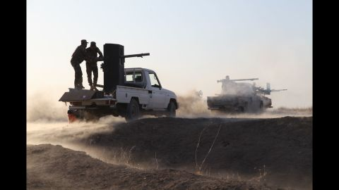 Peshmerga forces begin clearing villages on the outskirts of Mosul on October 16, 2016