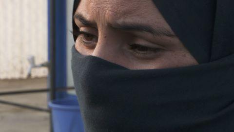 women flee isis to debaga