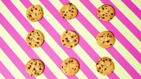 For Chips Ahoy chocolate chip cookies, nine cookies equal 33 grams of sugar.