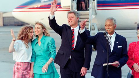 Hillary, Bill and Chelsea Clinton with former New York City Mayor David Dinkins in 1992.