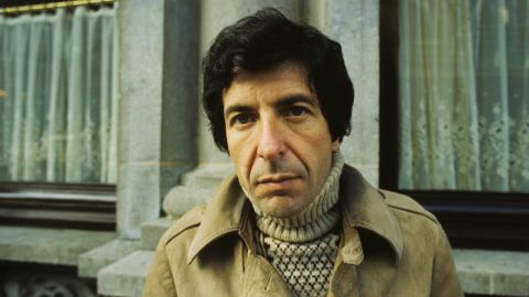 Leonard Cohen in April 1972 in Amsterdam. Apart from his successful musical career, Cohen also wrote novels and numerous collections of poetry.<br />