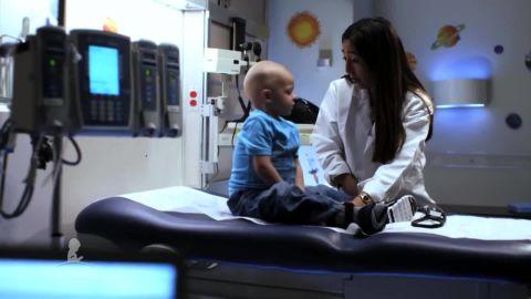 cnnee pkg doctora azaret st jude cancer infantil_00000902.jpg
