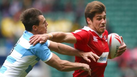 """German Davydov (right) enjoyed a strong debut series as Russia retained its core team status at the finale in London, with the 22-year-old's 20 tries in 53 games the team's second-best effort behind veteran Vladimir Ostroushko (26 in 40). Russia's men and women <a href=""""http://cnn.com/2016/06/17/sport/rugby-sevens-olympics-russia-putin/"""" target=""""_blank"""">missed out on an Olympic place.</a>"""