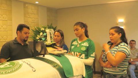 Brazil Chapecoense funerals Pkg Riddell_00000000.jpg