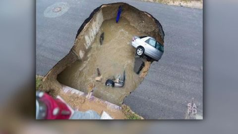 Texas deadly sinkhole _00000113.jpg