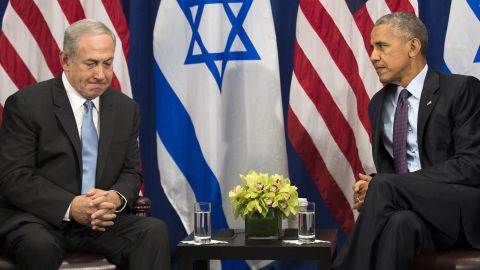 """NEW YORK, NEW YORK - SEPTEMBER 21: (L to R) Prime Minister of Israel Benjamin Netanyahu speaks to U.S. President Barack Obama during a bilateral meeting at the Lotte New York Palace Hotel, September 21, 2016 in New York City. Last week, Israel and the United States agreed to a $38 billion, 10-year aid package for Israel. Obama is expected to discuss the need for a """"two-state solution"""" for the Israeli-Palestinian conflict. (Pool Photo by Drew Angerer/Getty Images)"""
