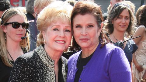 LOS ANGELES, CA - SEPTEMBER 10:  Actress Debbie Reynolds (L) Carrie Fisher attend the 2011 Primetime Creative Arts Emmy Awards at Nokia Theatre L.A. Live on September 10, 2011 in Los Angeles, California.  (Photo by Tommaso Boddi/WireImage)
