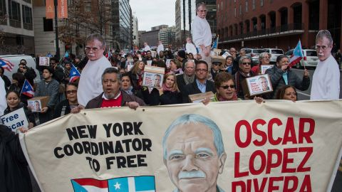 People march to demand the release of Puerto Rican nationalist Oscar Lopez Rivera near the White House in Washington, DC, on January 11, 2017.