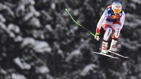 Carlo Janka of Switzerland competes during the men's downhill practice of the FIS Ski Alpine World Cup at the Hahnenkamm ski run in Kitzbuehel, Austria on January 18, 2017. / AFP / JOE KLAMAR        (Photo credit should read JOE KLAMAR/AFP/Getty Images)