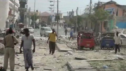mogadishu somalia blast sevenzo live_00003812.jpg