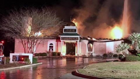 Houston Mosque Fire_00001107.jpg