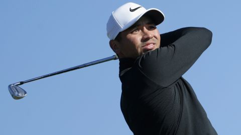 SAN DIEGO, CA - JANUARY 27:  Jason Day of Australia plays his shot from the 15th tee during the second round of the Farmers Insurance Open at Torrey Pines North on January 27, 2017 in San Diego, California.  (Photo by Jeff Gross/Getty Images)