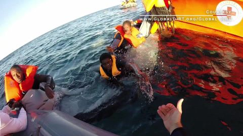 heroic crews rescue refugees at sea orig_00000206.jpg