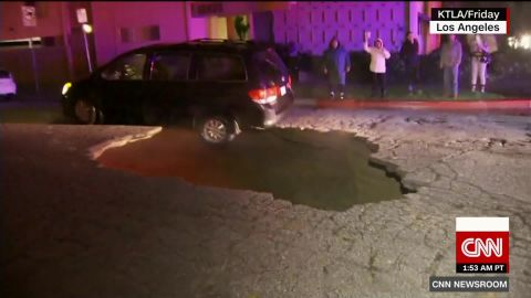 cars fall in california sinkhole nr vo_00001230.jpg