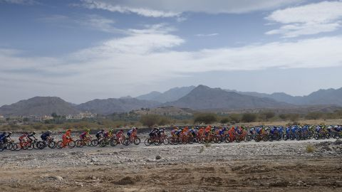 TOPSHOT - The peloton rides during the first stage of the 8th edition of the cycling Tour of Oman between al-Sawadi Beach and Naseem Park on February 14, 2017 in Manumah.  Norway's Alexander Kristoff from Team Katusha Alpecin won the stage ahead of Italian Kristian Sbaragli (L) from Team Dimension Data who came second and Italian Sonny Colbrelli (R) from Bahrain Merida in third place. / AFP / Eric Feferberg        (Photo credit should read ERIC FEFERBERG/AFP/Getty Images)