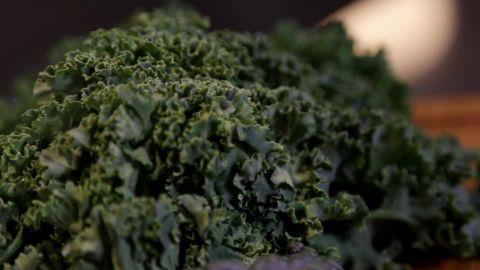Kale contains more calcium than milk per calorie.