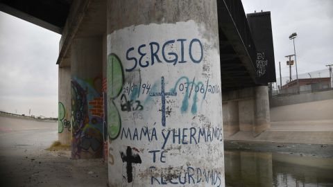 Picture of the place where in 2010 Mexican 15-year-old Sergio Hernandez was killed by a police officer from the United States on the Mexican bank of the Rio Grande in Ciudad Juarez, Chihuahua, Mexico, taken on February 18, 2017.  AFP / Yuri CORTEZ