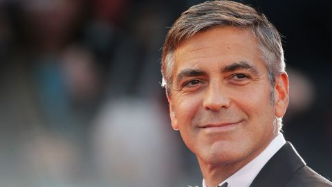 """VENICE, ITALY - SEPTEMBER 08:  Actor George Clooney attends """"The Men Who Stare At Goats"""" premiere at the Sala Grande during the 66th Venice Film Festival on September 8, 2009 in Venice, Italy.  (Photo by Gareth Cattermole/Getty Images)"""