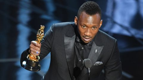 """Mahershala Ali accepts the best supporting actor Oscar for his role in """"Moonlight."""""""