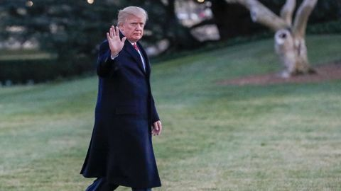 WASHINGTON, DC - MARCH 05: President Donald J. Trump waves as he walks across the South Lawn towards the White House on March 5, 2017 in Washington, DC. Trump is returning from a weekend at his Mar-a-Lago clu in Palm Beach. Florida. (Photo by Erik S. Lesser-Pool/Getty Images)