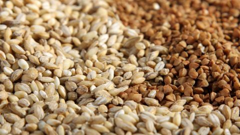 A healthy diet includes eating whole grains (such as brown rice, quinoa, buckwheat and oats) while limiting your intake of refined grains (white rice and white flour) and products made with refined grains, such as bread and pasta. Too few whole grains (and too many refined grains) led to to an estimated 5.9% of all diet-related deaths due to heart problems, stroke and diabetes during 2012.