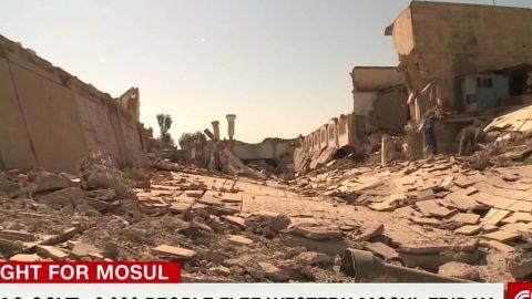 iraq waging intense urban combat against isis ben wedeman_00003614.jpg