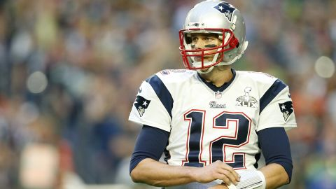 GLENDALE, AZ - FEBRUARY 01:  Tom Brady #12 of the New England Patriots reacts against the Seattle Seahawks during Super Bowl XLIX at University of Phoenix Stadium on February 1, 2015 in Glendale, Arizona.  (Photo by Christian Petersen/Getty Images)