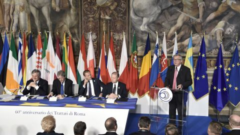 President of the European Commission Jean-Claude Juncker (R) delivers a speech next to (From L) President of the European Commission Jean-Claude Juncker, EU Parliaments president Antonio Tajani, Italy's prime Minister Paolo Gentiloni, European Council President Donald Tusk and Malta's Prime Minister Jospeh Muscat during a special summit of EU leaders to mark the 60th anniversary of the bloc's founding Treaty of Rome, on March 25, 2017 at Rome's Piazza del Campidoglio (Capitoline Hill).   Against a backdrop of crises and in the absence of the departing Britain, the leaders signed a new Rome declaration, six decades after the six founding members signed the Treaty of Rome and gave birth to the European Economic Community.  / AFP PHOTO / TIZIANA FABI        (Photo credit should read TIZIANA FABI/AFP/Getty Images)