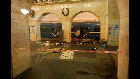 The aftermath of the explosion is evident at the Tekhnologichesky Institut subway station.