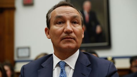 United Airlines CEO Oscar Munoz prepares to testify on Capitol Hill in Washington, Tuesday, May 2, 2017, before a House Transportation Committee oversight hearing. (AP Photo/Pablo Martinez Monsivais)