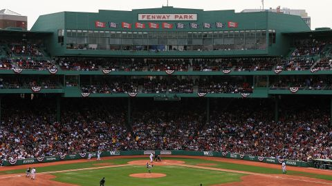 BOSTON - APRIL 11:  The Boston Red Sox take on the Toronto Blue Jays in the Red Sox home opener on April 11, 2006 at Fenway Park in Boston, Massachusetts.  (Photo by Travis Lindquist/Getty Images)
