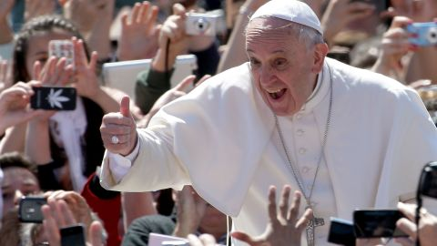 VATICAN CITY, VATICAN - APRIL 20:  Pope Francis greets the faithful as he holds Easter Mass in St. Peter's Square on April 20, 2014 in Vatican City, Vatican. Pope Francis is attending the Holy Week for his second time as a Pontiff.   (Photo by Franco Origlia/Getty Images)