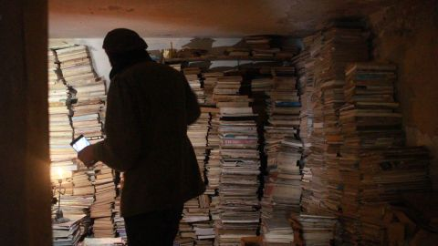 """Alan Elbaum, who discovered al-Maa Bookstore while studying in Jordan, tells CNN he was astonished by AlMaaytah's """"cave of books."""""""