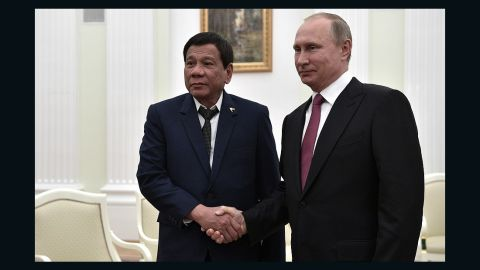 Philippines President Duterte meets his Russian counterpart in Moscow, May 23.