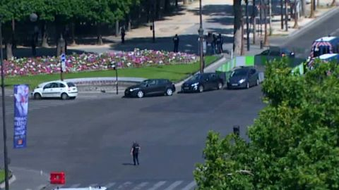 police champs elysees paris bell beeper _00010403.jpg