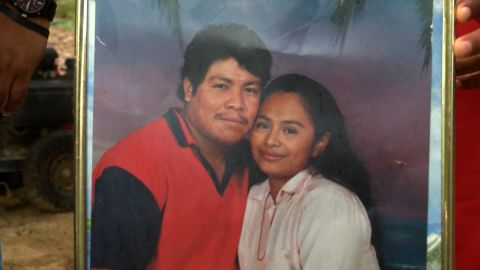 Ismael Lopez and his wife, Claudia Linares.