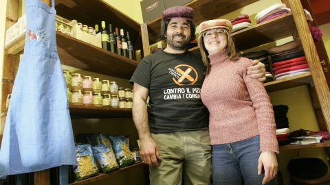 Palermo business owners Valeria Di Leo and Fabio Messina were the first shop owners to join the Addiopizzo group.
