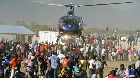 Helicopter travel has become the perferred choice for politicians chasing votes in Kenya.
