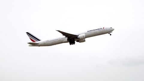 An Air France Boeing 777-300ER plane takes off on June 11, 2013 from Roissy Charles de Gaulle international airport, in Roissy-en-France, outside of Paris on June 11, 2013. AFP PHOTO / FRED DUFOUR        (Photo credit should read FRED DUFOUR/AFP/Getty Images)