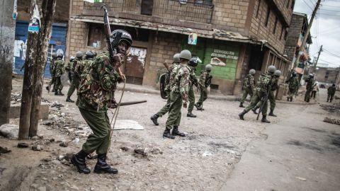 Kenyan security forces patrol in Mathare in Nairobi.