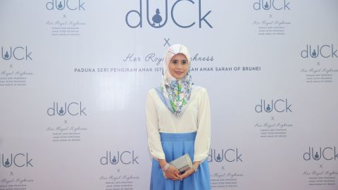 At the launch in April, Princess Sarah wore a light blue version of the scarf and delivered a moving speech.
