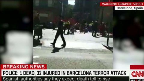 Barcelona van attack graphic video_00011110.jpg
