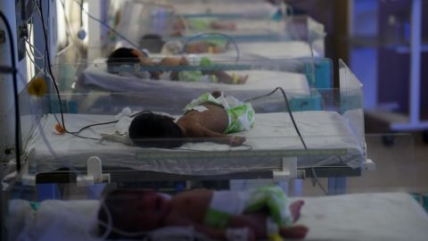 In this photograph taken on April 26, 2016, newly born babies lie in a maternity ward at a government hospital in Gwalior. Police fear staff at the private Palash Hospital were selling babies for as little as 100,000 rupees ($1,500), with agents convincing unmarried mothers to give birth at the facility and then abandon them. / AFP / MONEY SHARMA / TO GO WITH AFP STORY INDIA-HOSPITAL-CRIME-INFANTS,FEATURE BY JALEES ANDRABI         (Photo credit should read MONEY SHARMA/AFP/Getty Images)
